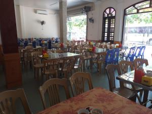 Nhà hàng/khu ăn uống khác tại Khách Sạn Hồng Tấn