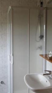 A bathroom at Hotel Oasi Dei Discepoli