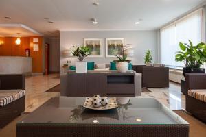El vestíbulo o zona de recepción de Hotel Turimar