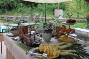 Завтрак для гостей Hotel Calvi