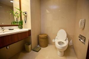 حمام في فندق إيفرغرين لوريل بينانغ