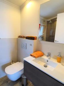 Um banheiro em Casinha de Nesquim