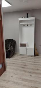 A kitchen or kitchenette at пограничная, дом 19