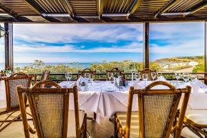 A restaurant or other place to eat at Creta Royal - Adults Only
