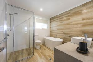 A bathroom at 31 Melville Street