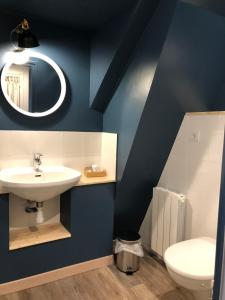 A bathroom at Hotel Linette