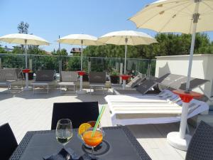 A restaurant or other place to eat at Hotel Villa Enea