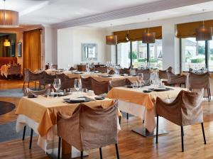 A restaurant or other place to eat at Caleia Mar Menor Golf & Spa Resort