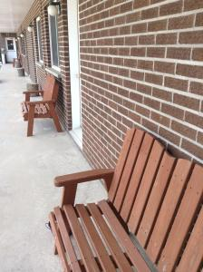 A porch or other outdoor area at Motel St-Thomas