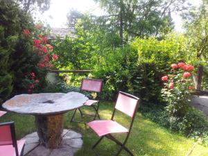 Ein Garten an der Unterkunft Bed & Breakfast La Chamade