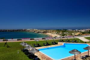 A view of the pool at Pousada de Sagres or nearby