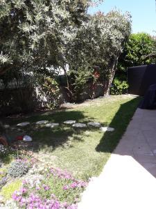 A garden outside Les Cyprès Florentins