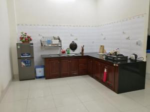 A kitchen or kitchenette at Lasse & Thao Homestay 4 BR house