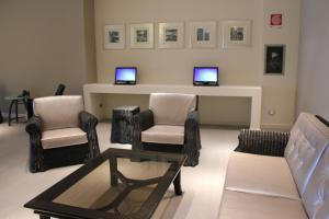 A seating area at Tag Hotel