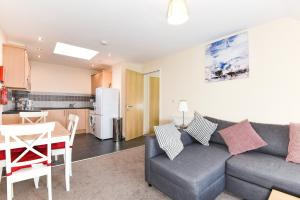 A seating area at Exclusive Use - 1 Bedroom Apartment - Willow Court, 19 Double Street, Spalding, PE11 2AA