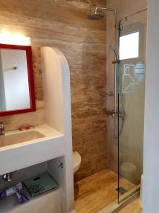 A bathroom at Plakias Bay Hotel