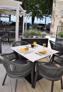 Restaurace v ubytování Hotel Croatia