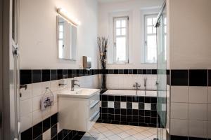 Koupelna v ubytování Vila Na Landeku