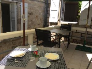 Restaurant ou autre lieu de restauration dans l'établissement La Terrasse, Centre St-Antonin