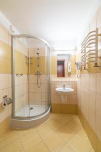 Ein Badezimmer in der Unterkunft Vestina Wellness & SPA Hotel