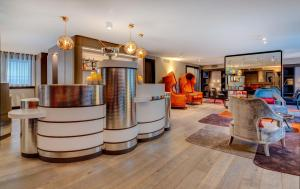The lobby or reception area at Design Hotel f6