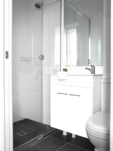 A bathroom at Sunnyside Tavern