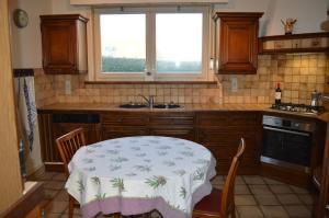 A kitchen or kitchenette at Villa Belle dune