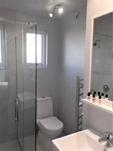 A bathroom at The Studio Akaroa