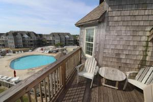 A view of the pool at Ducky Breeze at Barrier Island Station by KEES Vacations or nearby