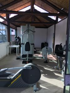 The fitness center and/or fitness facilities at Sued's Plaza