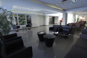 The lounge or bar area at Casa Andina Select Chiclayo