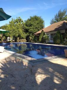 The swimming pool at or close to Solabose Cottages