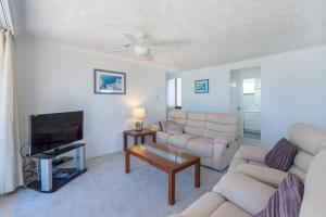 A seating area at Columbia Beachfront Apartments on Rainbow Bay