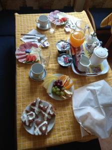 Breakfast options available to guests at Penzion Pod Hrází