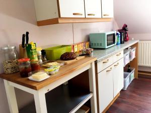 A kitchen or kitchenette at Cria Valley Alpacas