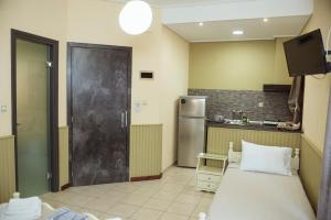 A kitchen or kitchenette at La Luna