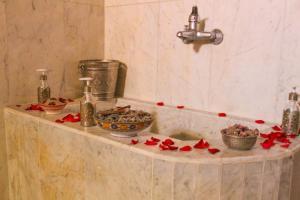 Salle de bains dans l'établissement Riad Dar zen - Ferme d'hôtes Marrakech