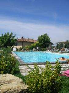 The swimming pool at or close to Agriturismo Poggiopiano