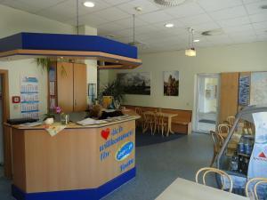 The lobby or reception area at Sleep & Go Hotel Magdeburg