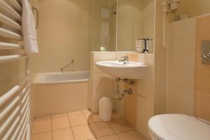 A bathroom at Albrechtshof