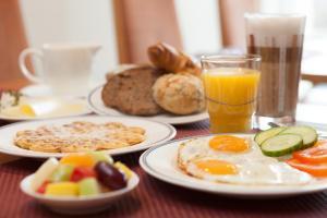 Frühstücksoptionen für Gäste der Unterkunft HOTEL Baltic Stralsund