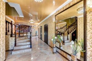 The lobby or reception area at Vavilon Hotel