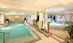 Der Swimmingpool an oder in der Nähe von Wunsch Hotel Mürz - Natural Health & Spa Hotel