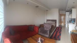 Гостиная зона в Alanya Azura Park Rezidans
