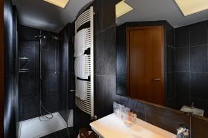 A bathroom at Hotel Concordia