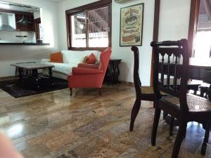A seating area at Casa: segundo andar