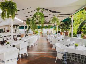 Un restaurante o sitio para comer en H10 Tenerife Playa