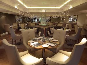 A restaurant or other place to eat at Hilton Grand Vacations Club at Craigendarroch Suites