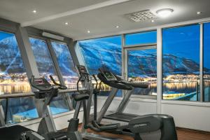 The fitness center and/or fitness facilities at Radisson Blu Hotel Tromsø