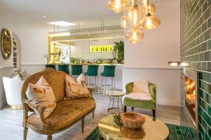 A seating area at Fairlawns Boutique Hotel & Spa